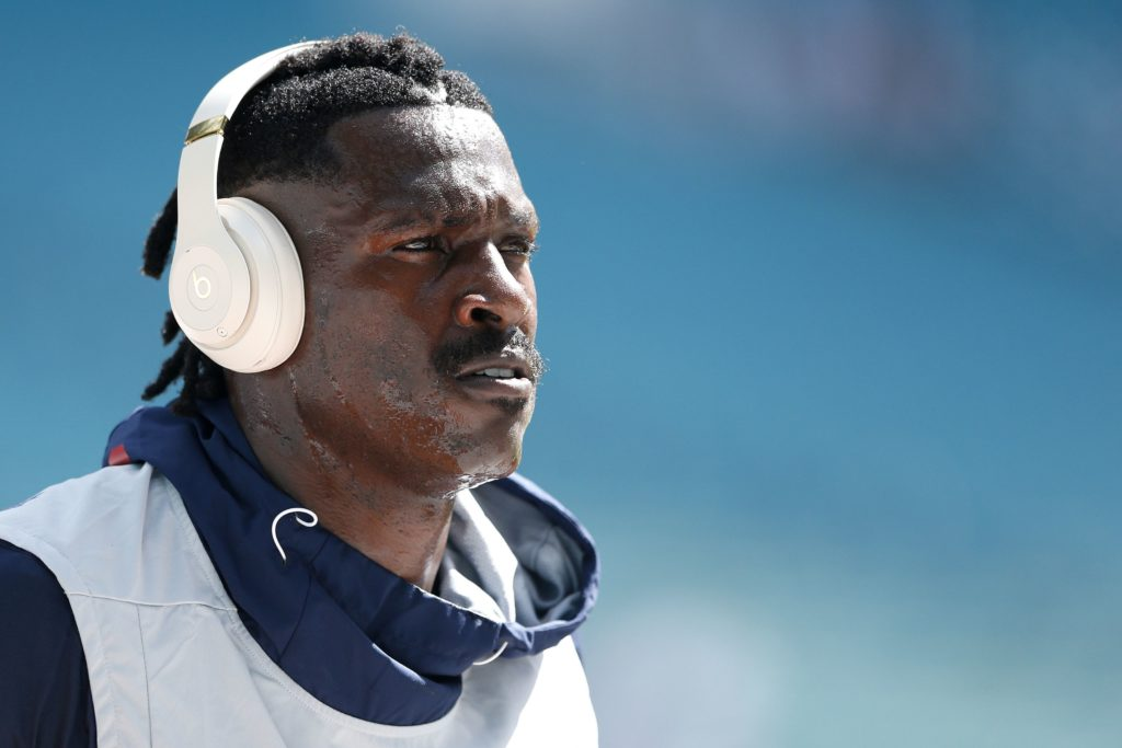 Antonio Brown accuser, NFL reportedly set to meet...