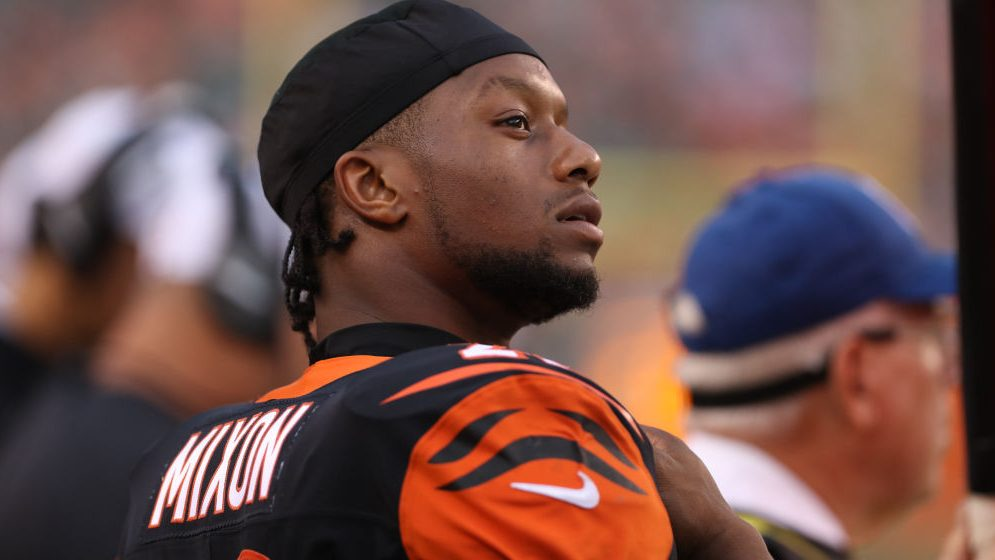Joe Mixon plans to play, will test ankle before...