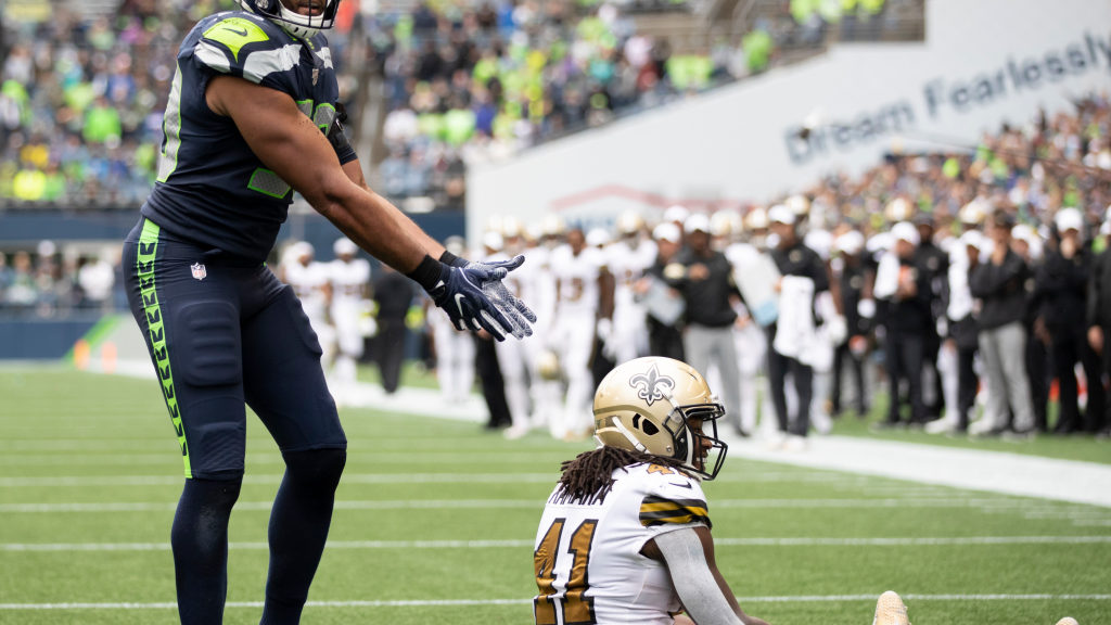 Seahawks suffer only minor injuries in major loss...