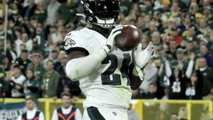 Studs and Duds from the Eagles Week 4 win over the...