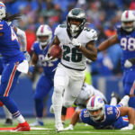 video-eagles-improve-to-500-beat-up-the-bills