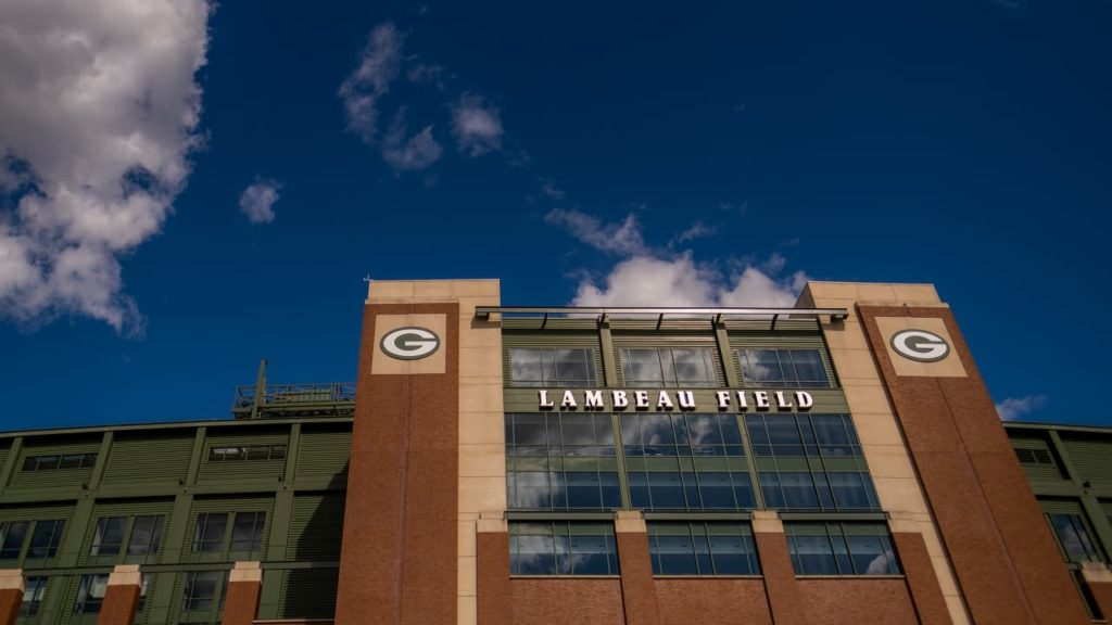 How to use mobile tickets at Lambeau Field