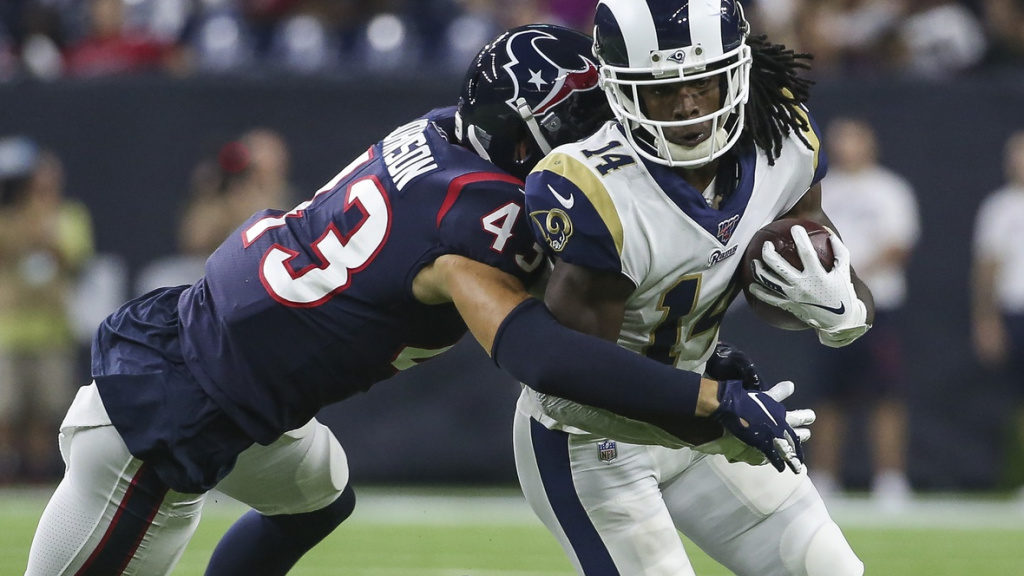 Eagles sign Chris Johnson to the practice squad