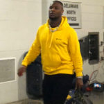 Le'Veon Bell trolls the Steelers wearing black and...