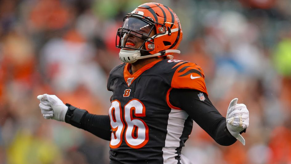 Carlos Dunlap named AFC defensive player of the...