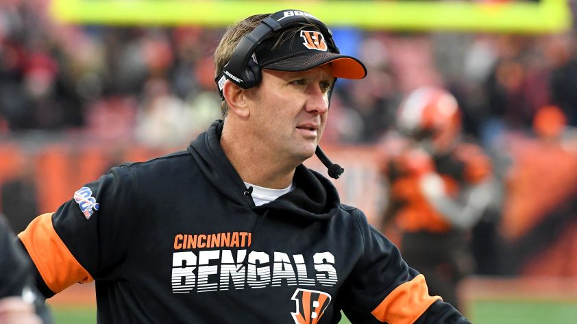 Bengals extend longtime special teams coach Darrin...