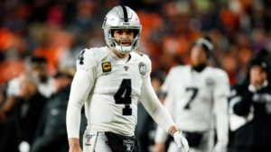 Derek Carr stepped forward in second year with Jon...