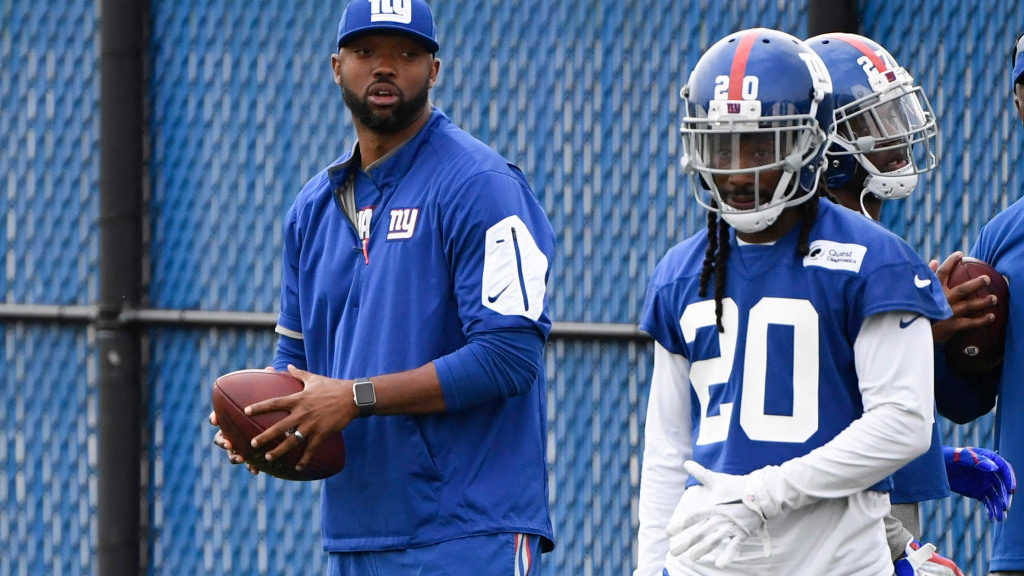 Maryland hires former New York Giants assistant...