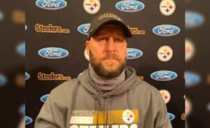 Roethlisberger Hints He Might Try Playing Past...