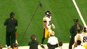 RB James Conner Says Ankle Injury Is 'Trending In...
