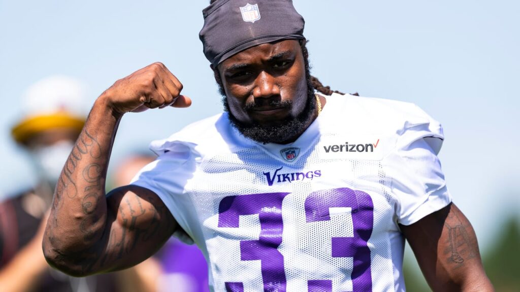 Dalvin Cook Signs Contract Extension