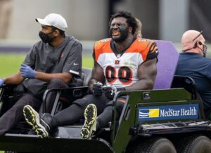 Bengals sign Xavier Williams, place D.J. Reader on...