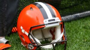 Cleveland Browns go remote as player reports...