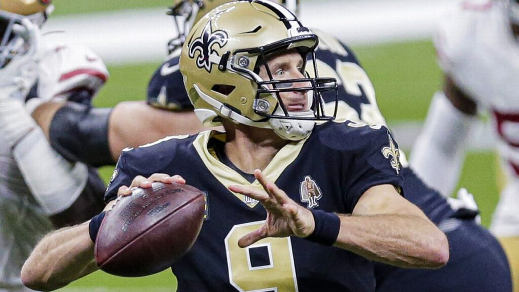 New Orleans Saints' Drew Brees has fractured ribs,...