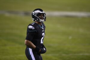 Eagles to Start Hurt at QB in Week 15, Safety...