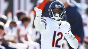 Bears move closer to playoffs after throttling...