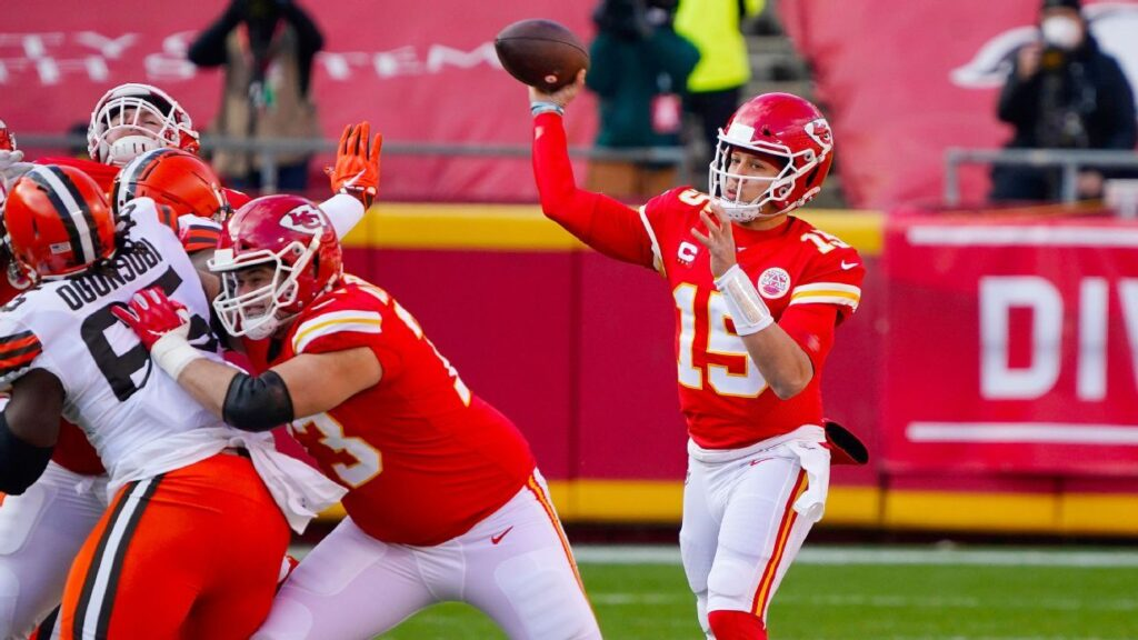 Patrick Mahomes leads Chiefs on methodical opening...