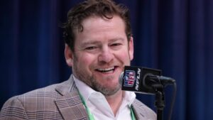 Seattle Seahawks sign GM John Schneider to...