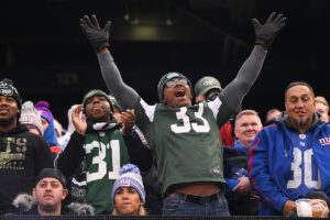 Giants, Jets have starting point for fans' return...