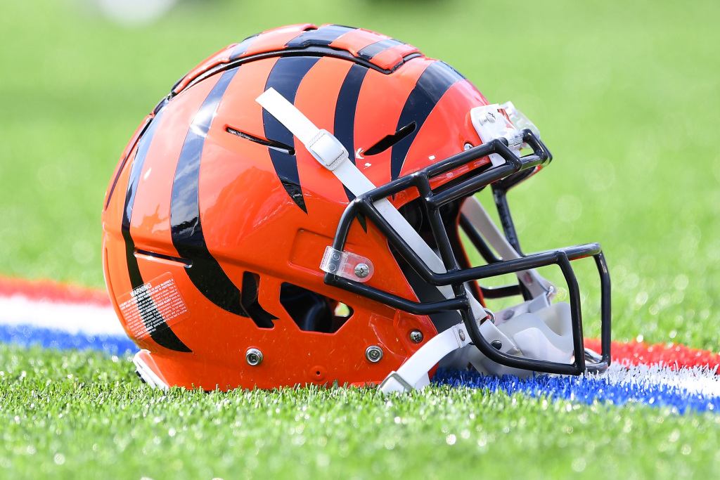 Bengals name Justin Hill RB coach, Troy Walters WR...