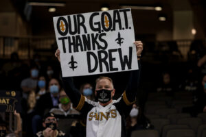 Trainer posts Drew Brees workout video, suggests...