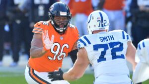 Chicago Bears DT Akiem Hicks answer fan questions...