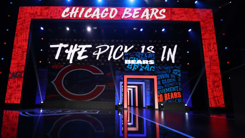 Who analysts think Chicago Bears will select with...