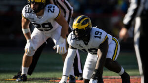 Giants trade down, pick Kwity Paye in latest...