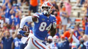 Kyle Pitts puts on show at Florida Gators pro day,...