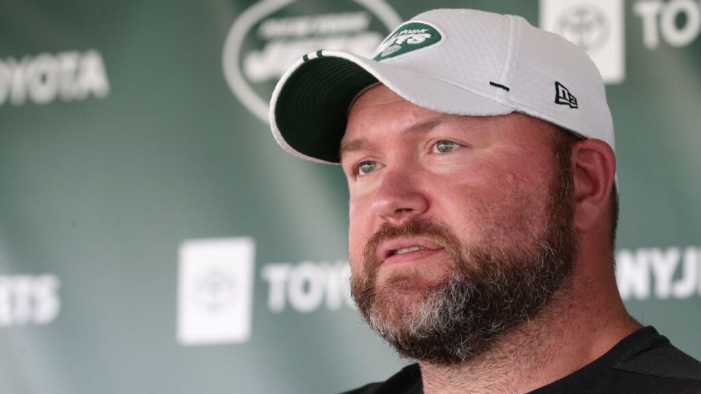 New York Jets deal their way into...