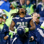 Former Seahawks RB Marshawn Lynch chats vaccines...