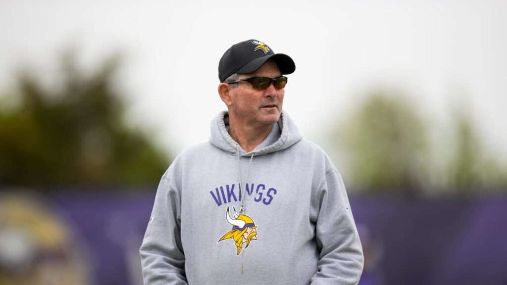 Zimmer Gives Early Evals on Darrisaw, Mond, Other...