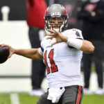 qb-blaine-gabbert-re-signing-with-tampa-bay