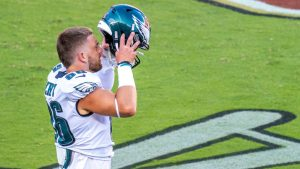 Zach Ertz expected to report for Eagles training...