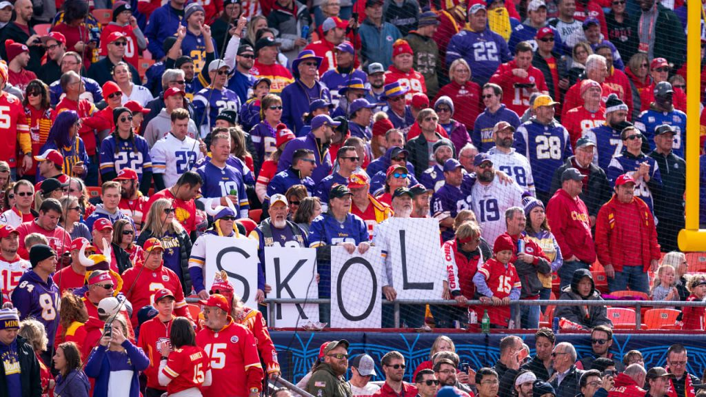 How to Watch, Stream & Listen to Vikings-Chiefs...