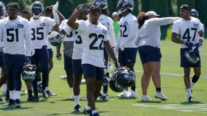 Seahawks roster tracker: 3 players placed on...