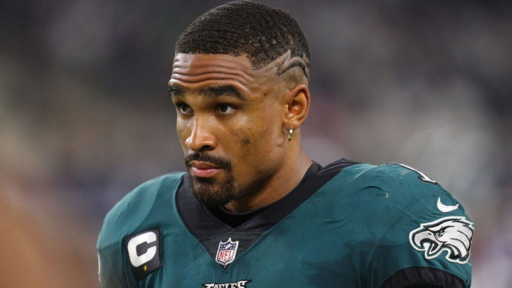 Jalen Hurts takes blame for Eagles loss, but...
