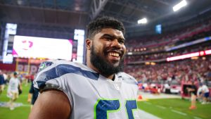 Seahawks bringing back 2 promising guards for...